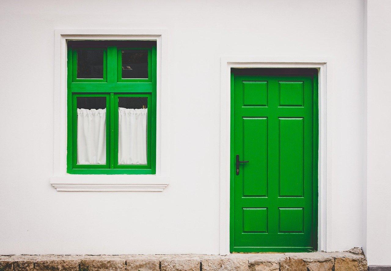 Come scegliere la porta d'ingresso? I consigli del fabbro